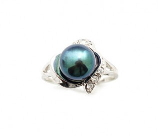 Black Freshwater Pearl Cz Silver Heart Ring