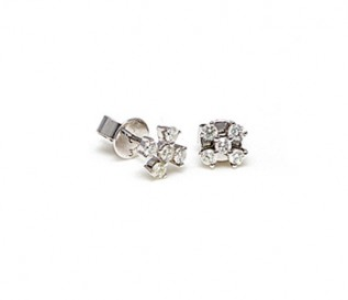 9k White Gold 0.28ct Diamond Flower Studs