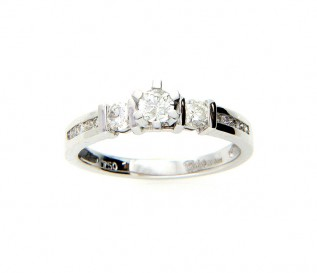 18k White Gold 0.64ct Diamond Trilogy Engagement Ring