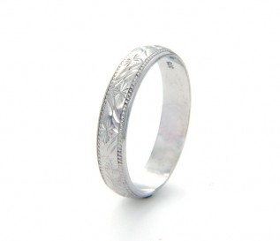 9k White Gold Patterned 4mm Wedding Band