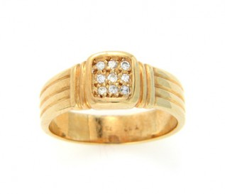 18k Yellow Gold 0.12ct Diamond Dress Ring