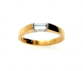 18k Yellow Gold 0.40ct Baguette Diamond Solitaire Ring