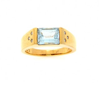 18k Yellow Gold Blue Topaz Ring with Diamonds
