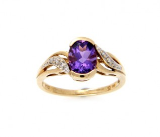 9ct Yellow Gold Amethyst Ring with 0.07ct Diamonds
