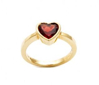 14ct Yellow Gold Garnet Heart Ring