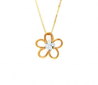 18k Gold Flower Pendant with 0.14ct Diamonds